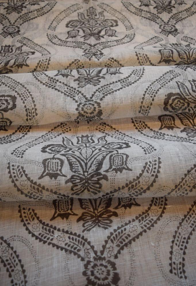 ткань льняная с орнаментом