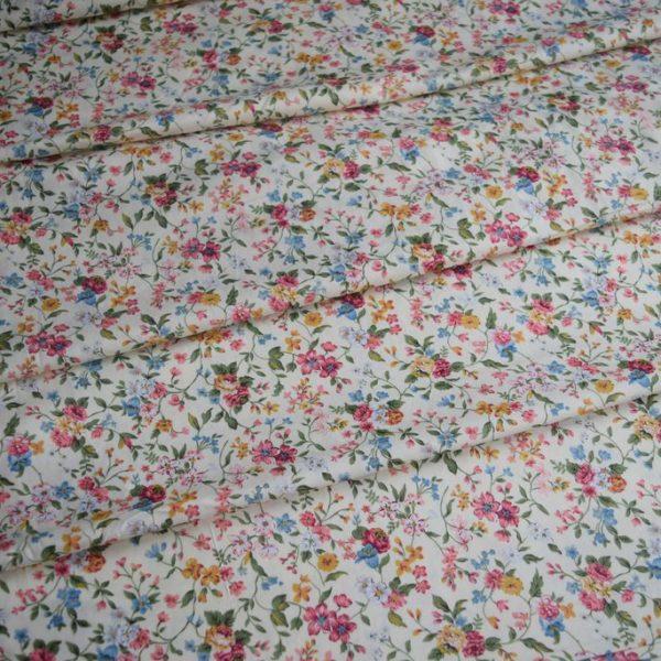 Ткань хлопок сатин с цветочками