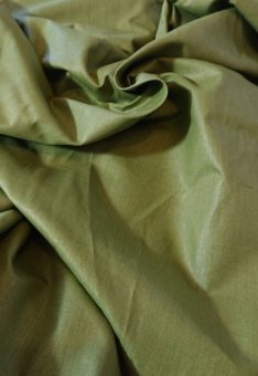 однотонный зеленый лен