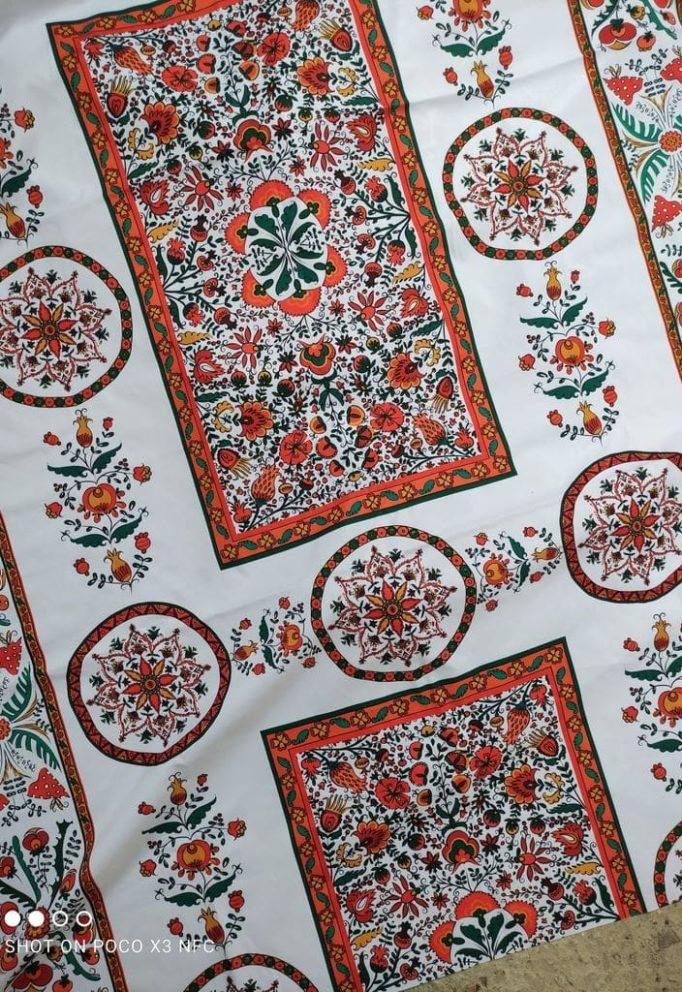 Ткань с этническим славянским рисунком